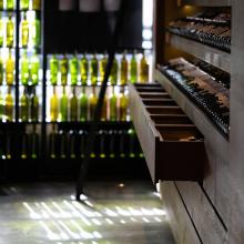 NOUVEAUX HORAIRES  À partir de demain Les Caves de Taillevent Paris vous accueillent de 10h jusqu'à 19h30 !   Rdv du lundi au samedi en boutique et 7j/7 sur notre e-shop www.lescavesdetaillevent-eshop.com